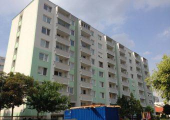 Fasády - Kompletná obnova bytoveho domu - ul. Hlavná, Šamorín - obrázok 5