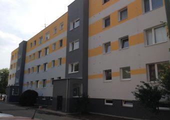 Fasády - Zateplenie bytového domu - ul. Mliečňanská, Šamorín - obrázok 2