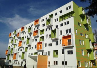 Fasády - Zateplenie fasády novostavby – ul. Ivanská, Bratislava - obrázok 2